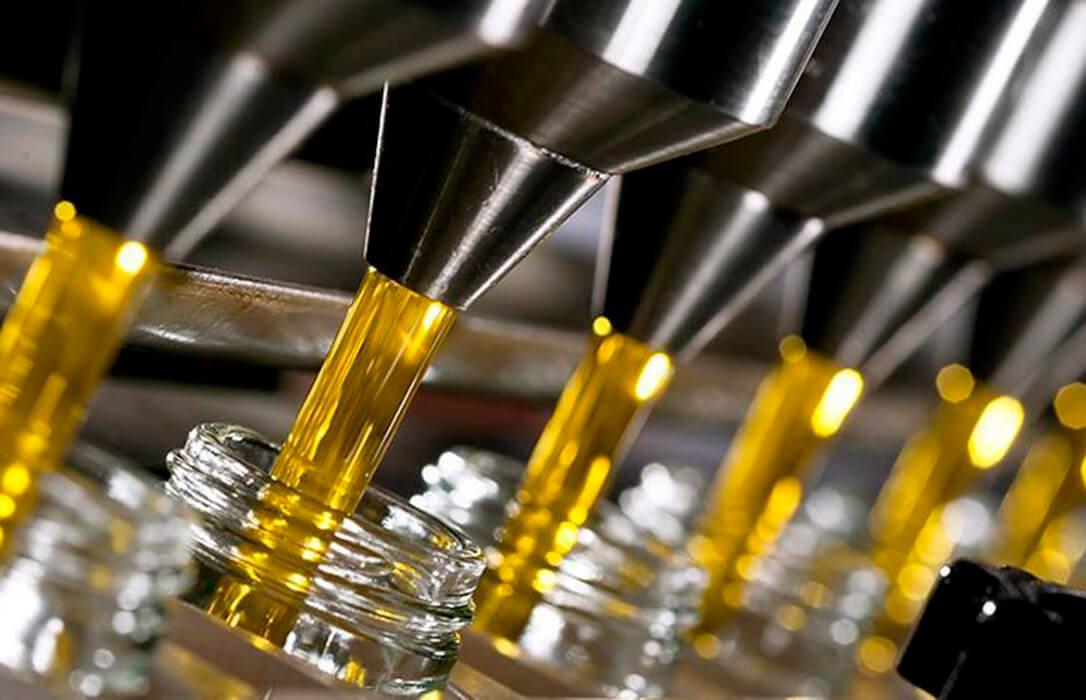 """El Gobierno saca pecho por el buen momento de la campaña del aceite y espera """"récords"""" de consumo y exportación"""