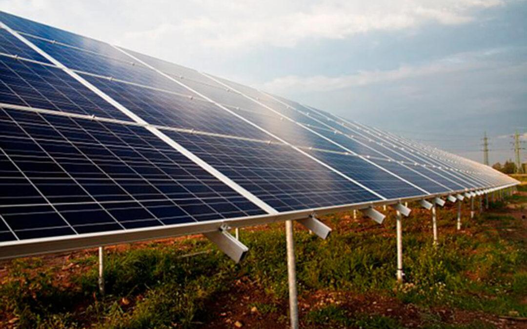 """La guerra de las fotovoltaicas se radicaliza: Amenazan con expropiar un suelo tramitando una declaración de """"utilidad pública"""""""