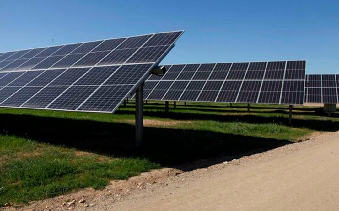 """El """"mordisco"""" de las fotovoltaicas al terreno agrícola en la provincia de León es ya de seis mil hectáreas"""