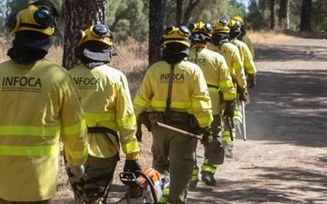 El Infoca refuerza las tareas de vigilancia con vuelos preventivos en zonas forestales de Andalucía durante la ola de calor
