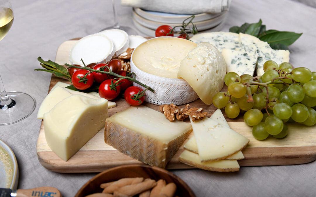 Apurando el verano: Cuatro recetas refrescantes elaboradas con queso para combatir las altas temperaturas de agosto
