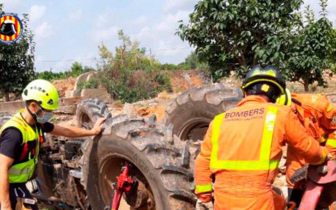 Un agricultor de 80 años, otro de 71 y un tercero de 45: La lista de fallecidos por accidentes de tractores no cesa en el campo