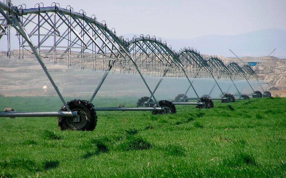 Tras la invasión de megaparques eólicos, ahora llega una línea de alta tensión por el medio de los nuevos regadíos de Payuelos