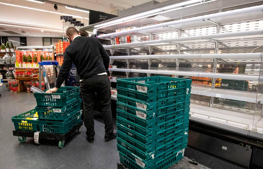 Gran Bretaña retrasa los controles del Brexit para evitar el desabastecimiento de alimentos y alivia la exportaciones españolas
