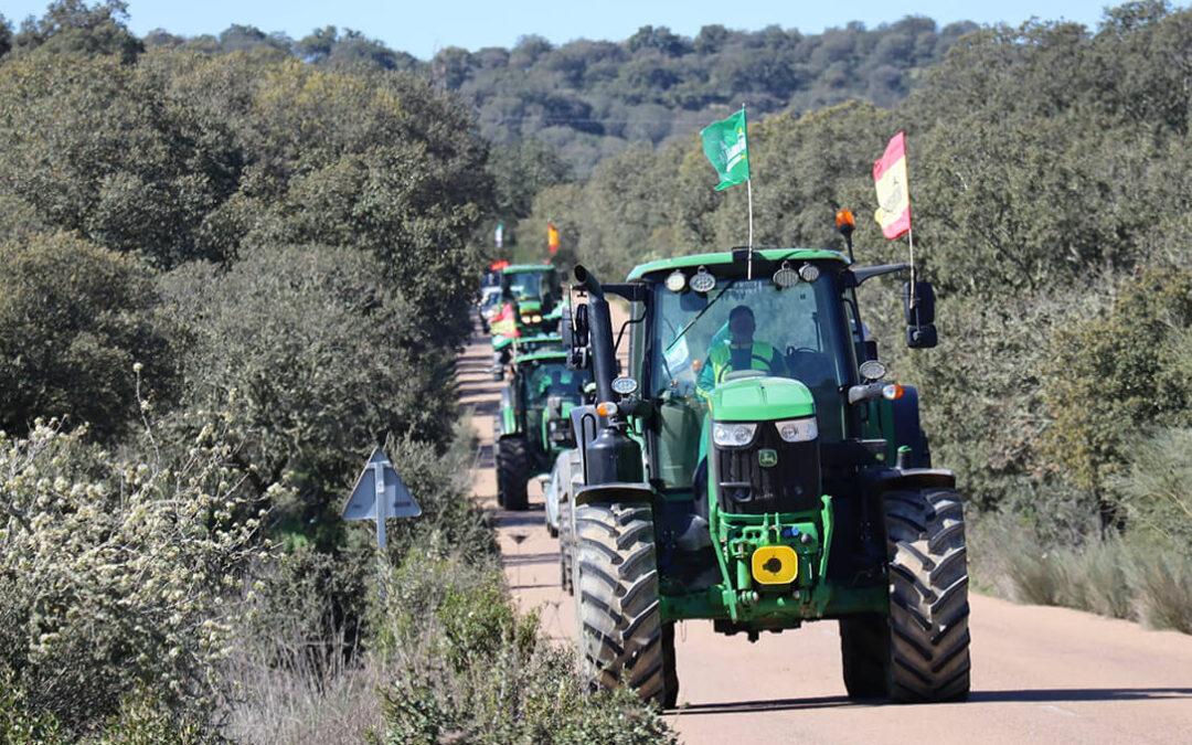 Todo listo para que parta la caravana que acampará en las puertas del ministerio de Agricultura en defensa del campo y contra la PAC