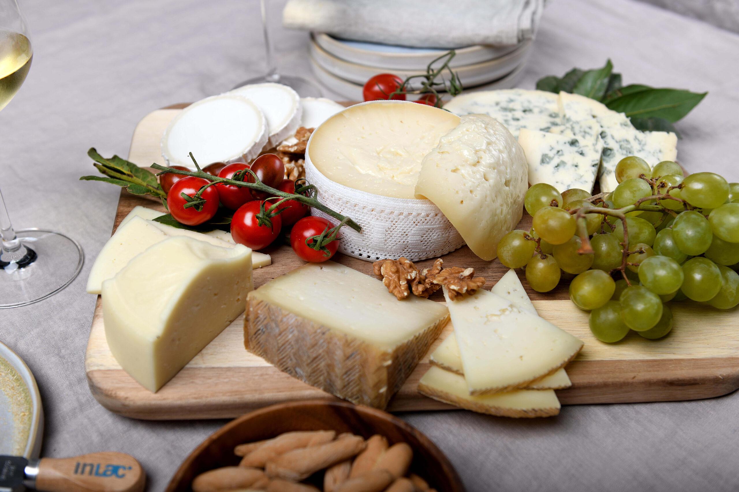 Francia, Portugal, Italia y EE.UU., principales mercados exteriores para los quesos españoles
