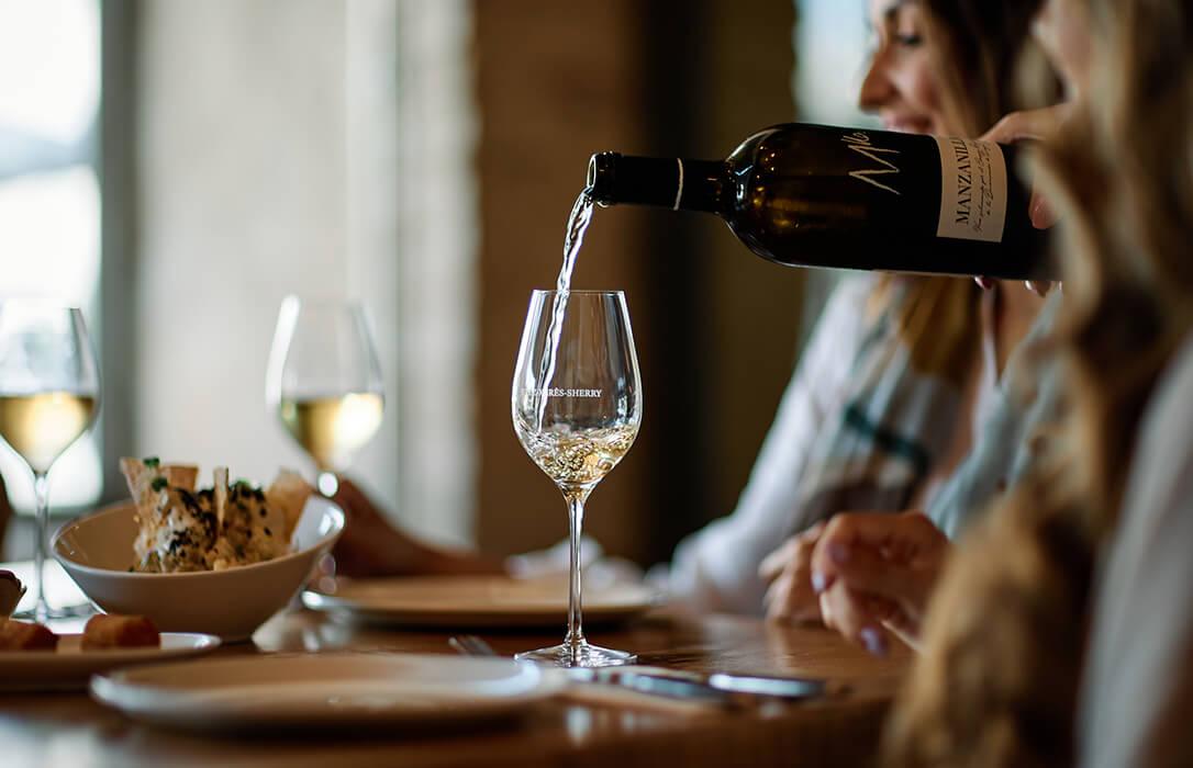 El consumo de los Vinos de Jerez y Manzanilla en la gastronomía gana terreno por su reconocimiento como de los mejores vinos blancos de España